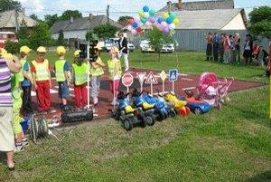 Drienovské deti k sviatku dostali dopravné ihrisko.