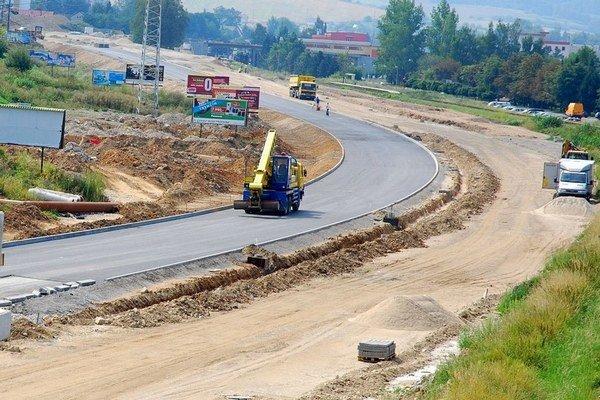 Štát plánuje 60 kilometrov nových diaľnic.⋌ ILUSTRAČNÉ FOTO – TASR
