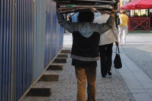 Ľudia bez domova. V Prešove im chcú viac pomáhať.