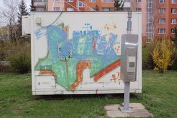 Monitorovacia stanica v Prešove. Sleduje sa tu benzén, oxid uhličitý, tuhé častice PM10, PM2,5 a oxid uhoľnatý.