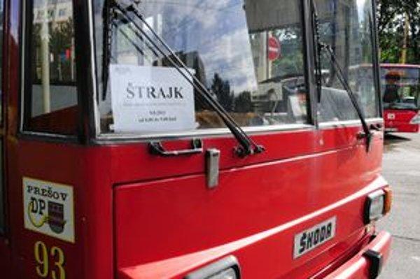Nedostatok peňazí v prešovskej mestskej doprave vyvrcholil utorkovým hodinovým štrajkom.