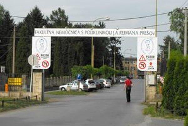 Nemocnica v Prešove. Nemá žiadne špeciálne benefity pre začínajúcich lekárov.