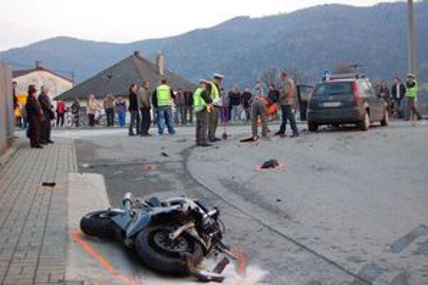 Nehoda motorkára. Minulý rok v Pečovskej Novej Vsi zomrel mladý muž pri skúšobnej jazde.