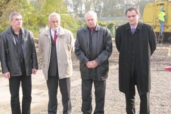 Chmeliar (vľavo) a Chudík (vpravo) v čase predvolebnej kampane 2009.