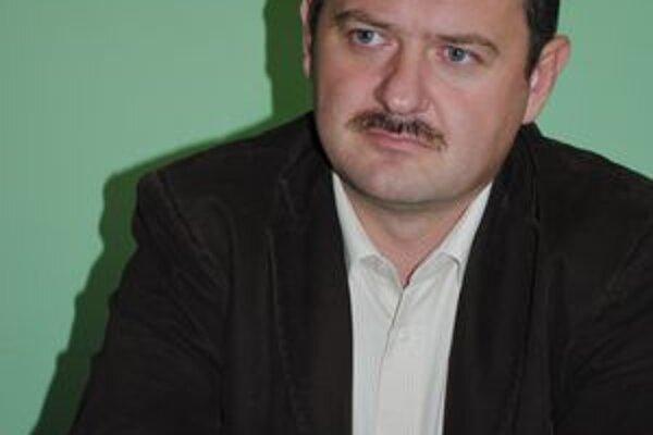 Zsolt Simon. Minister pôdohospodárstva.