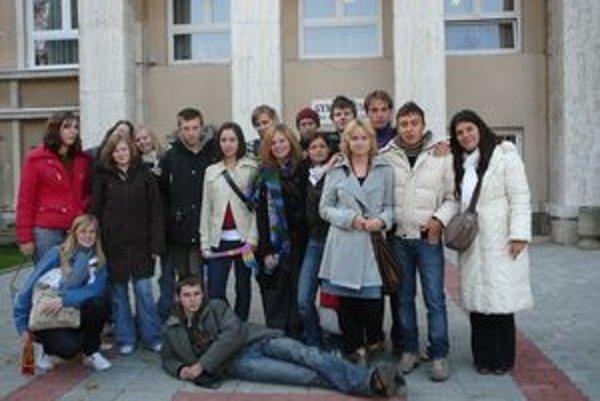 Študenti GJAR. Súčasní, ale aj absolventi považujú GJAR za dobrý štart do života.