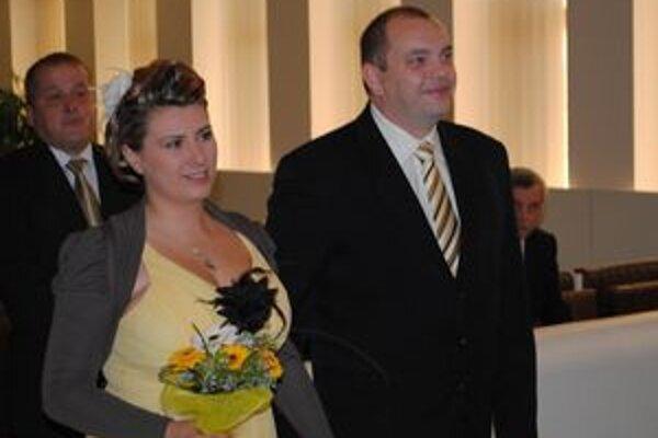 Novomanželia si dátum svadby zapamätajú ľahko.
