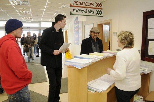 Daňový úrad v Košiciach zaujíma aj poslancov.
