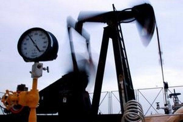 Ropa a plyn z Ruska potrebujú odbyt v Európe.