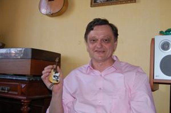 Ivan Sakala. Minivýrobok je zapísaný v Knihe slovenských rekordov.