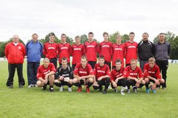 Jubilejnú trofej vybojovali mladí lipianski futbalisti.