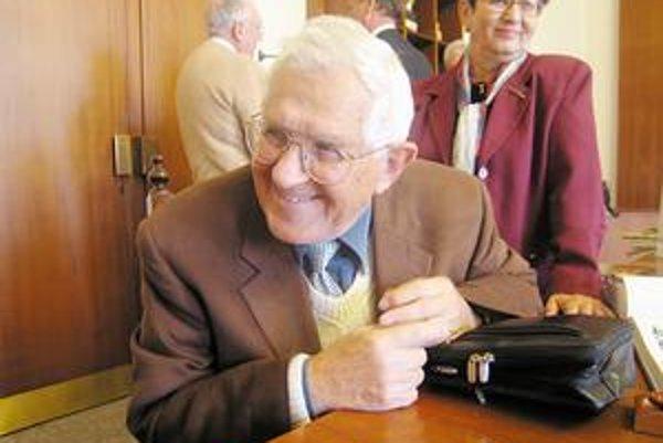 Usmievavý kolega. Takého ho poznali, keď prišiel na východ, nielen novinári.