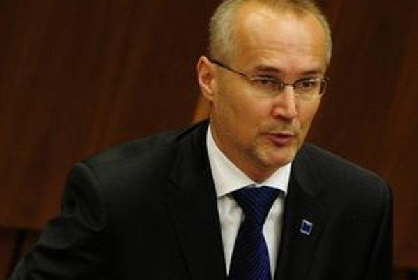Ondrej Matej sa dostal po voľbách aj do parlamentu.