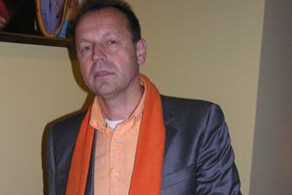 Pavel Hagyari. V minulých voľbách suverénne zvíťazil, zrejme bude kandidovať znovu.