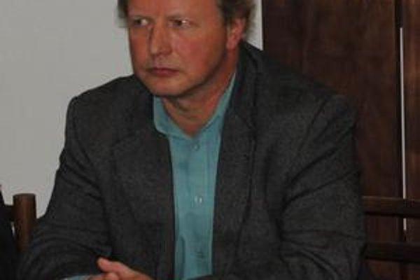 Milan Laca kandiduje za Smer.