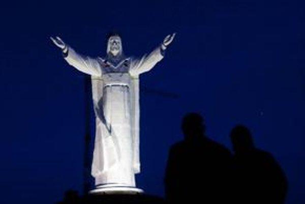 Najväčšia socha Krista na svete stojí od novembra pri poľskom Swiebodzine. Prešovu zrejme z jeho plánu zostane len trojmetrový model.