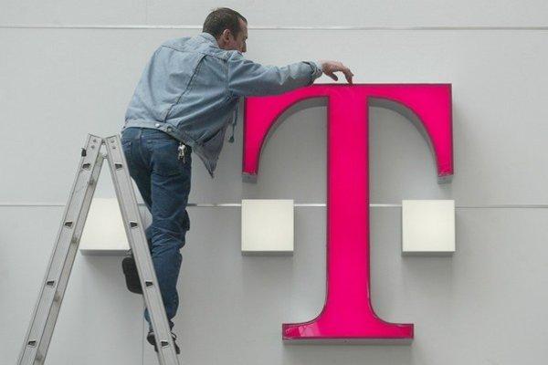 Štátne akcie v Slovak Telekome majú zmeniť majiteľa tento rok, pravdepodobným kupcom je Deutsche Telekom. Zákazníkov sa obchod nedotkne.