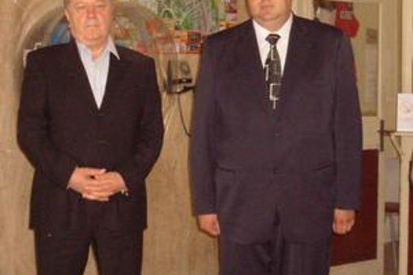 Ján Ragan (vpravo). Úväzok a plat v PSK mu skrátili na polovicu.
