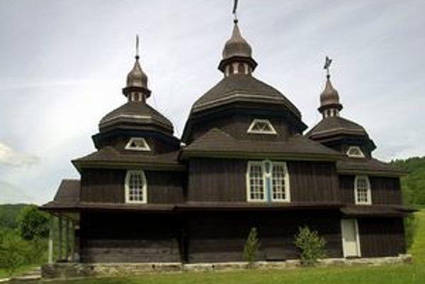 Chrám Ochrany Presvätej Bohorodičky v Nižnom Komárniku.