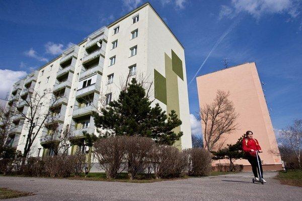 Záujem o hypotéky rastie aj preto, že stúpa ponuka bytov.