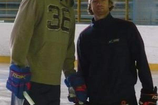 Vladimír Mihálik. Na florbal do rodného mesta príde aj hokejista Tampy Bay, na snímke vľavo.