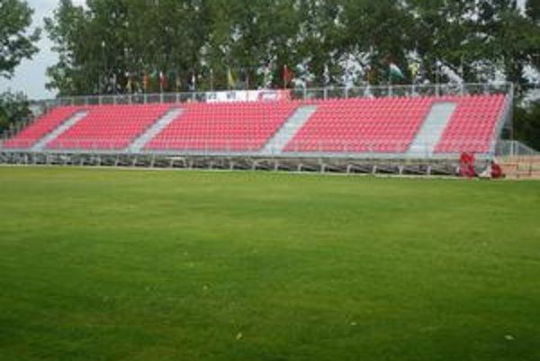 Rozrástli sa. V Jazdeckom areáli vyrástli ďalšie futbalové ihriská.