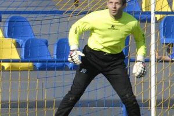 Chytil penaltu. Ján Biroš sa blysol pri pokutovom kope Bardejovčana Palšu.