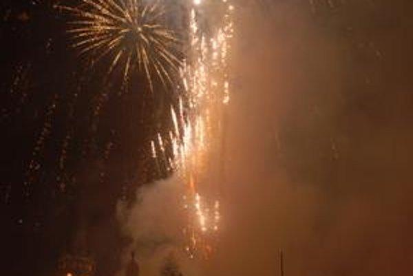 Minuloročný silvestrovský ohňostroj v Prešove. Aj tohto roku sa majú Prešovčania na čo tešiť.