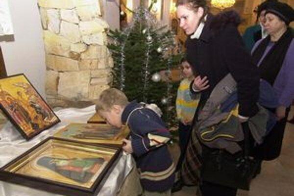 Časť pravoslávnych veriacich oslavuje Vianočné sviatky až v týchto dňoch.