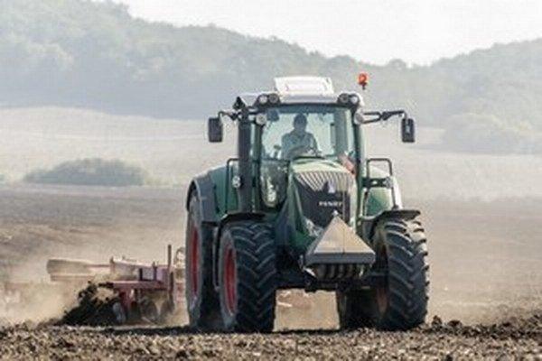 Slovenskí farmári majú väčšinou pozemky v prenájmoch a nájomné zmluvy sú vypovedateľné.