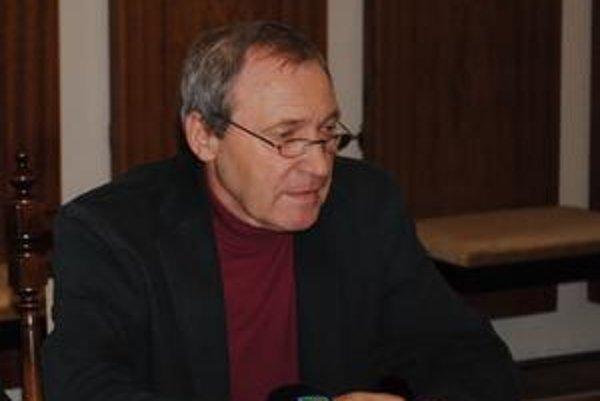 Milan Berdis. Predseda finančnej komisie.