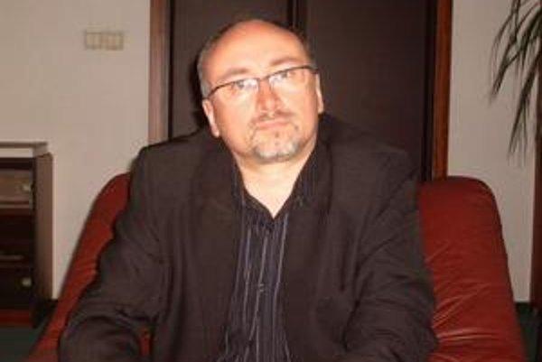 Rektor PU. René Matlovič odmieta obvinenia.