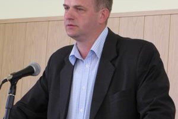 Vladimír Kaliňák. Poslanec vyčítal mestskému zastupiteľstvu, že rozhodujú o Rómoch bez nich.