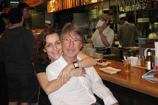 S manželom Banim na večeri v japonskej reštaurácii.