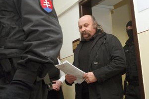 Mikuláš Vareha ostáva vo väzbe.