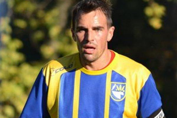 Kapitán Jaroslav Capko. Mužstvo doviedol k prvej jarnej výhre.
