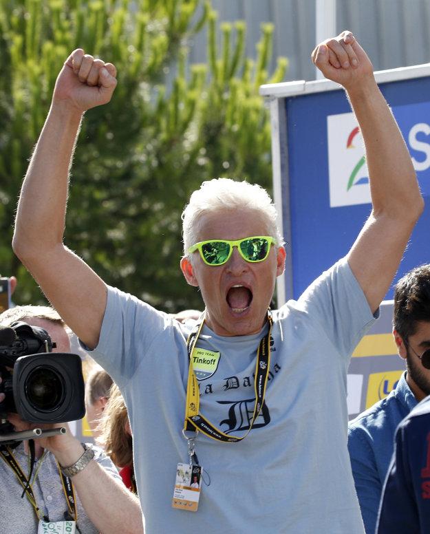 Aj šéf tímu Oleg Tiňkov mal obrovskú radosť zo Saganovho víťazstva.