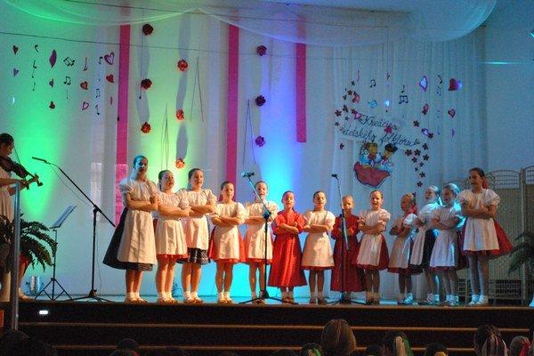 Kreácie detského folklóru. Sabinovské okresné kolo sa konalo v Lipanoch.