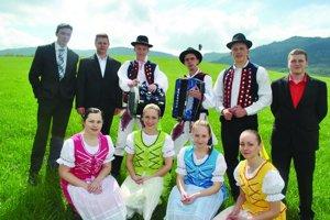 Folklórny súbor Šenvižan funguje rok, rozbehol sa už naplno.