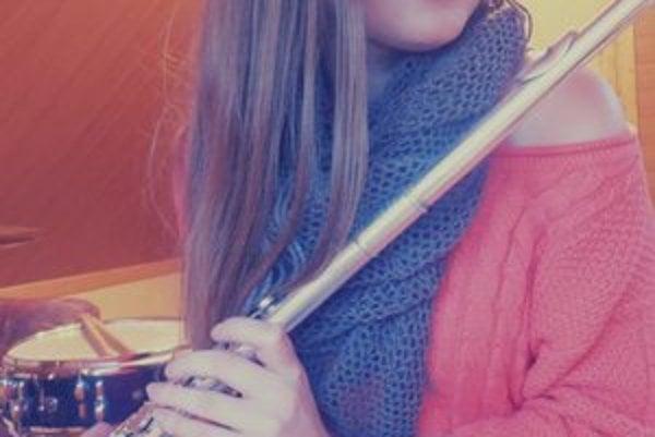 Stanka Cvancigerová. Zožala úspech v hre na flautu.