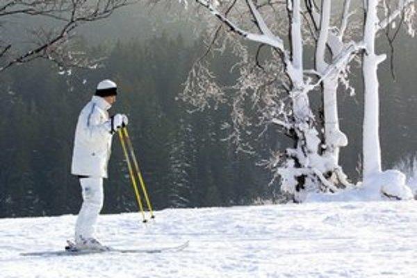 Na lyžiach v prírode - ideálny tip na to, ako stráviť Silvestra.