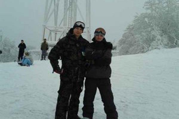 Valerián s Tomášom. Na otvorenie lyžiarskej sezóny na Lysej sa veľmi tešili.