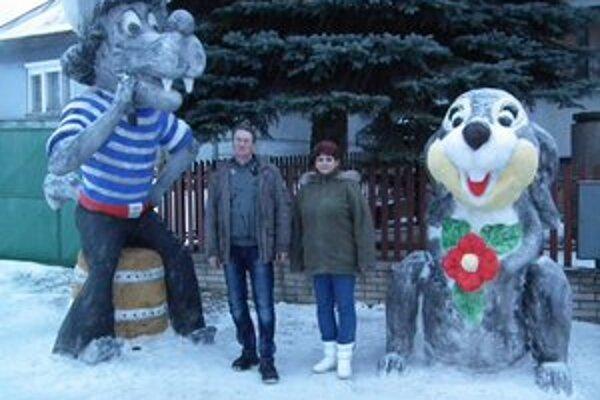 Obrovské snehové sochy. Ich likvidátorom je teplé počasie.