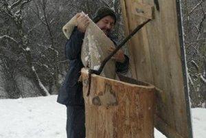 Miesta, z ktorých boli zvieratá prikrmované, musia byť po zime vydezinfikované.