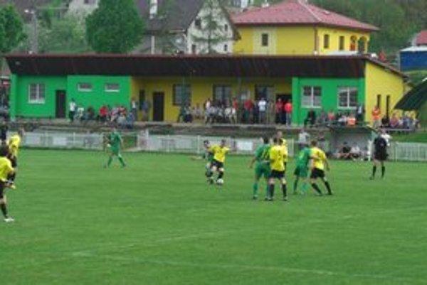 Nedobrý vstup majú za sebou futbalisti Uzoviec.