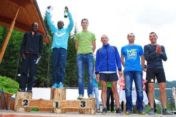 Najrýchlejší muži s bronzovým Vnenčákom.