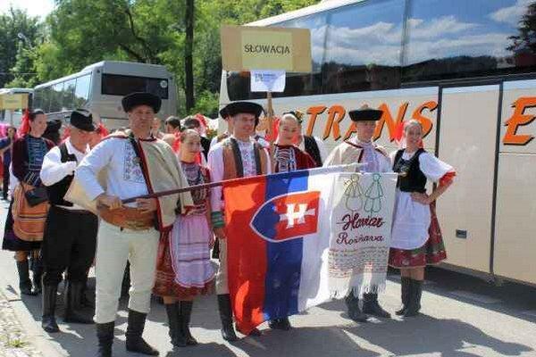 Príchod Haviara do Poľska. Spoločne niesli vlajku Slovenska.