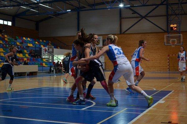 Odveta. Rožňavské basketbalistky prehrali so súperkami zpoľského mesta Nowy Sacz aj doma, aj vonku.