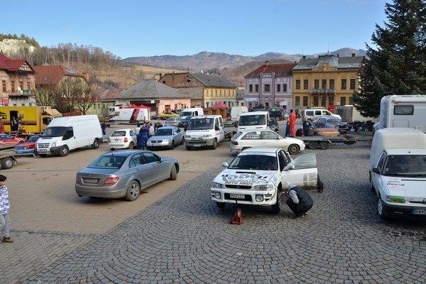 V tomto roku zostala Dobšinská zima bez snehu.