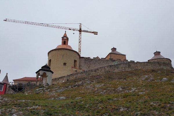 Hrad Krásna Hôrka štyri roky po ničivom požiari.